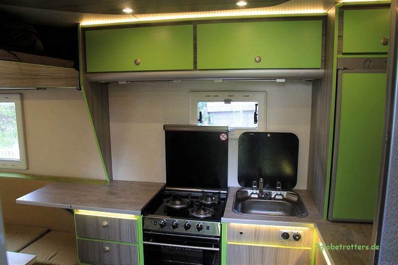 mercedes mb 1124 af mit kurzer doka aufbau als familien. Black Bedroom Furniture Sets. Home Design Ideas