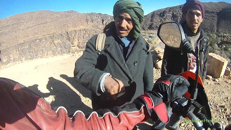 Gastfreundliche Berber im Ait Slilo bei Nekob, Jbel Sarho, Marokko
