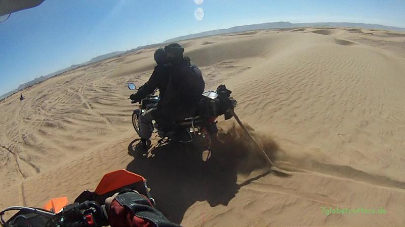 Unser Führungsfahrzeug durch den Oued Rheris vor Ramlia