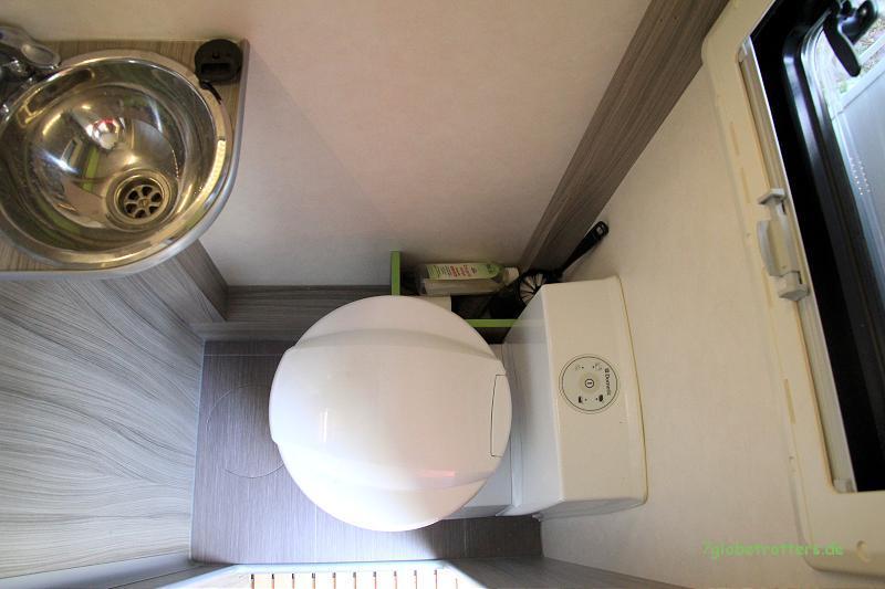 Toilette im Wohnmobil: Keramik-WC von Dometic (CTS 4110)