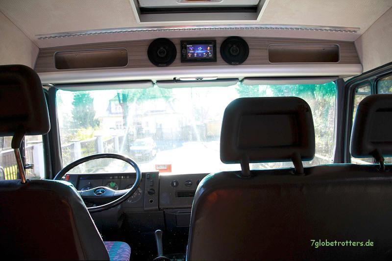 Beinfreiheit, gute Aussicht und perfekter Klang auf der Rücksitzbank