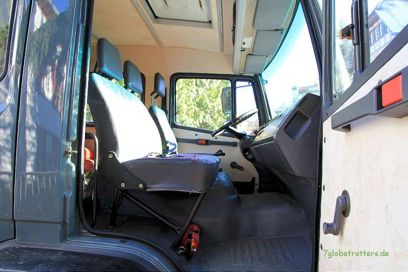 3 Sitzplätze in der ersten Reihe des Mercedes LK (MB 1124)