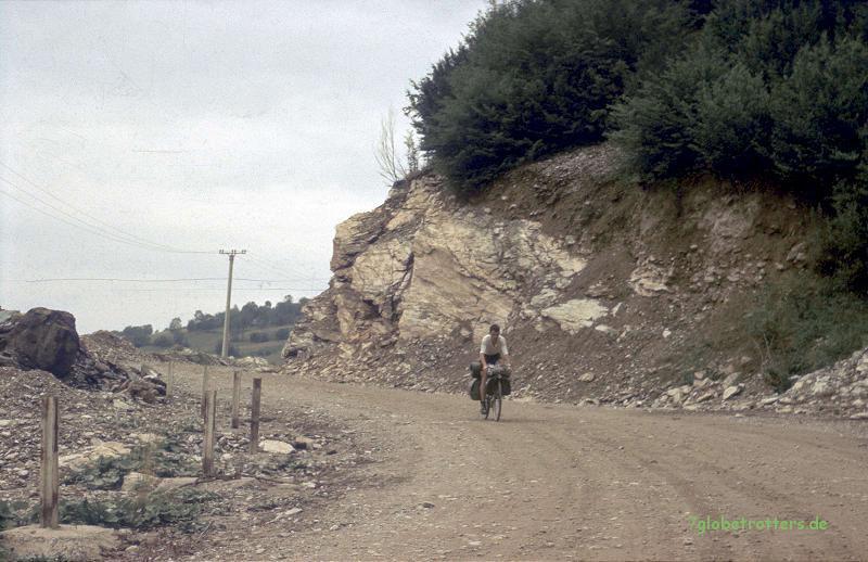 Eine Europastraße durch Rumänien