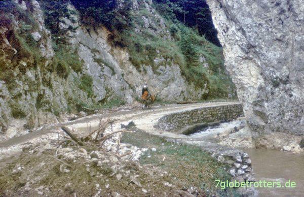 Zufahrt zur Höhle Pestera Dambovicioara