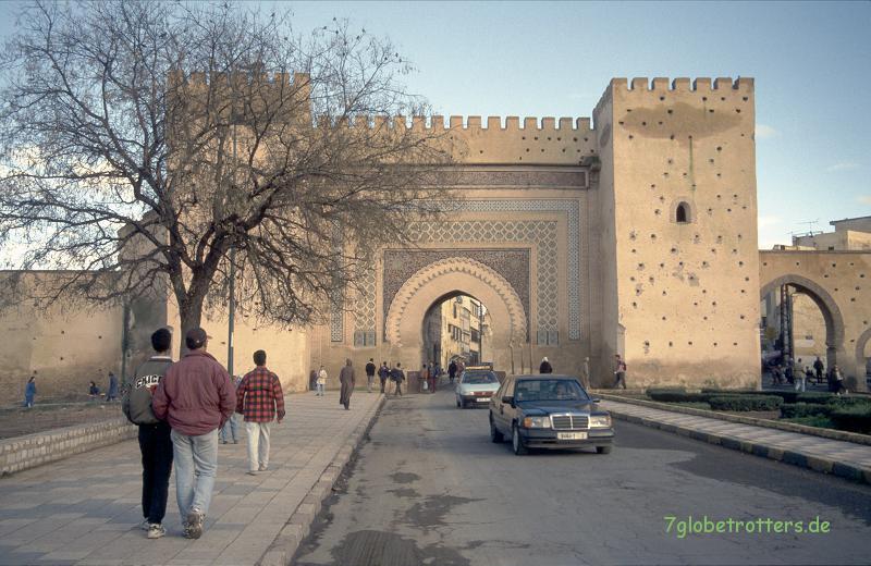 1996 Marokko: Eines der zahlreichen Stadttore von Meknes