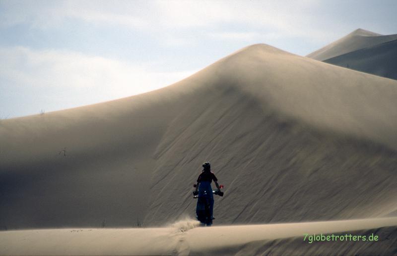 Sanddünen mit dem Motorrad sind ein Traum