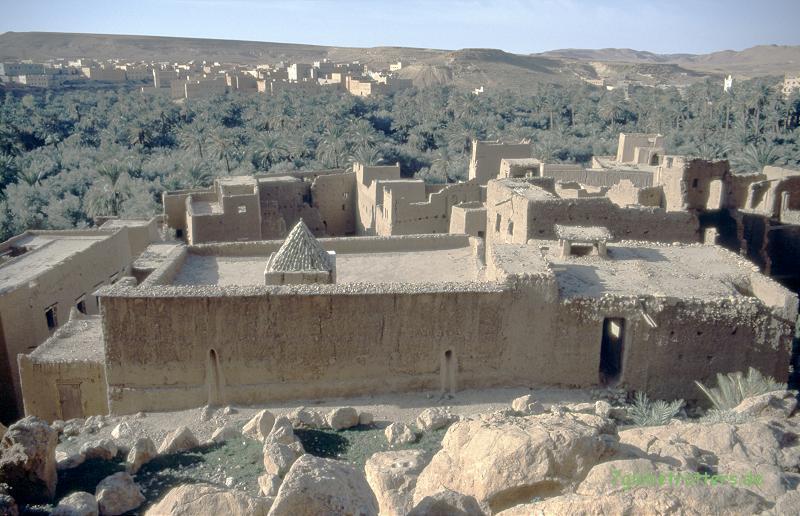 1996 Marokko: Lehmbauten bei Tinerhir am Fuß des Hohen Atlas