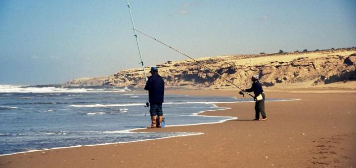 Fischer am Strand von Sidi R`bat