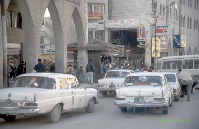 Wunderschöne Heckflossen (W110) in Amman, durchgehend als Benziner