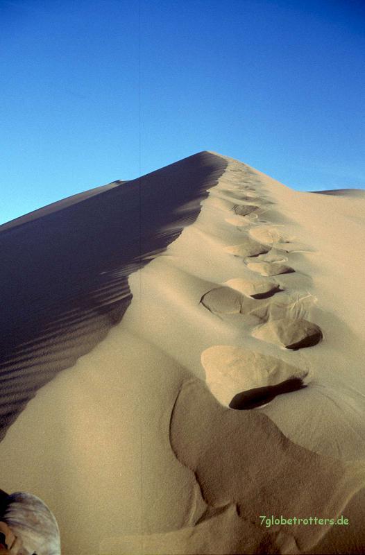 Wanderung auf die Sanddünen im Erg Chebbi