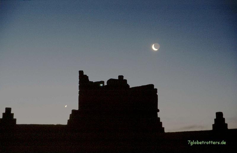 Der südliche Schaukelmond mit der Venus