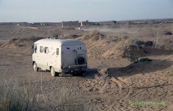 Wohnmobil am Erg Chebbi; Der Düdo (MB 508 D)