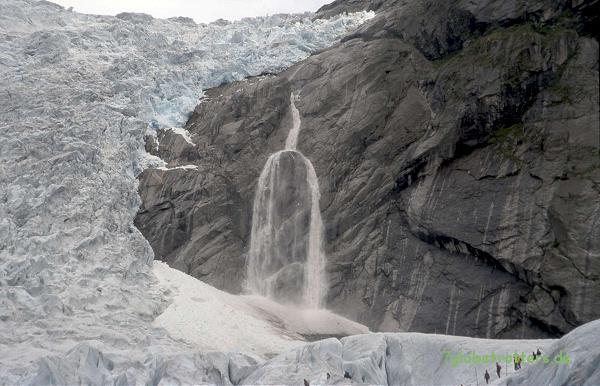 2000-08-17-lawine-am-brikdalsbreen-norwegen-56