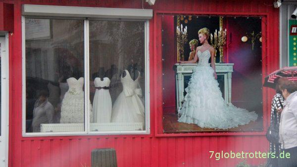 Typischer Hochzeitsladen