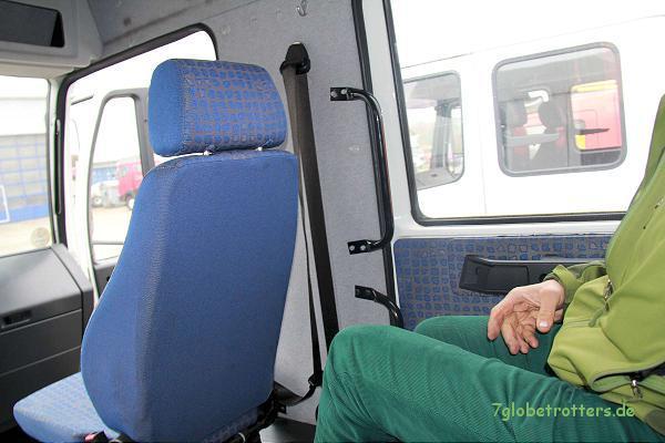 MAN LE 220 C mit kurzer Doka: Schon bessere Beinfreiheit hinten