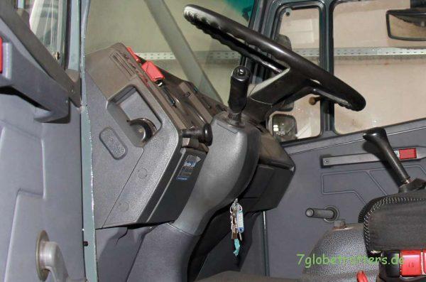 Mein erster Blick in den Mercedes-Benz 1124 AF (Mercedes LK)