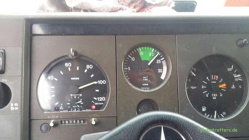 240 PS, lange Achsen, 100 km/h Reisegeschwindigkeit, 125 km/h Höchstgeschwindigkeit beim MB 1124