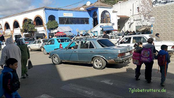Mercedes W 123 (MB 240 D) in Chefchaouen
