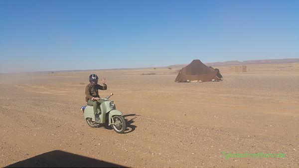 1967er Simson Schwalbe in der Wüste