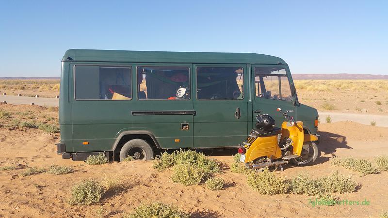 Erster Wüsteneinsatz des MB 711 D als Renntransporter ohne Allrad in Marokko