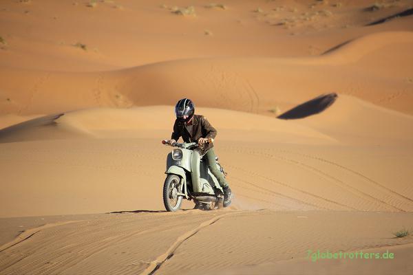 1967er Simson Schwalbe im Wüstensand am Erg Chebbi