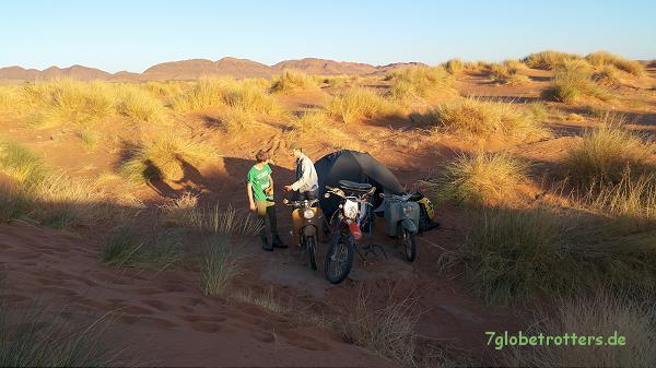 Marokko: Übernachtungsplatz am Oued Ziz