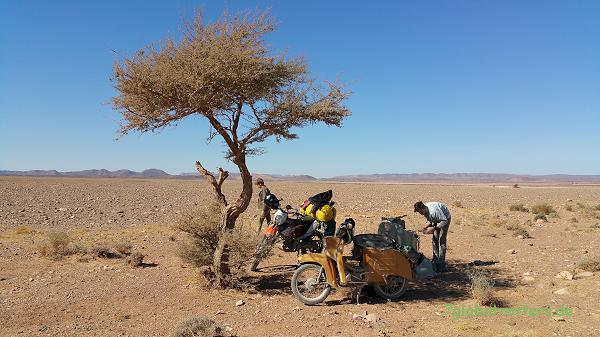 Reparaturstützpunkt in der Hamada