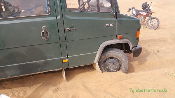 Ohne Allrad durch den Sand