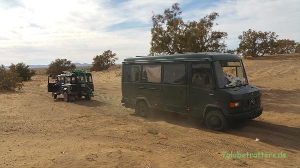 Der Land Rover hat den ganzen Spaß mit der Wüste versaut...