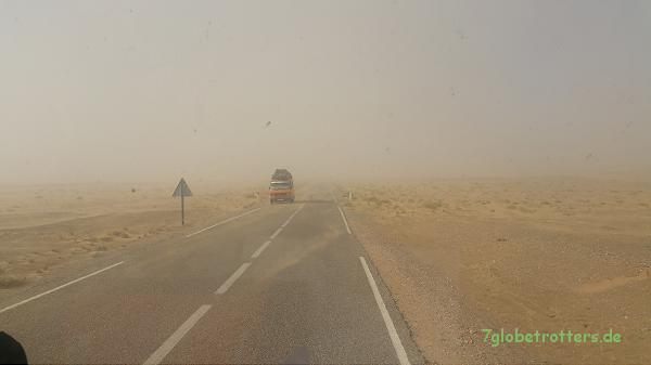 Wieder auf derr Straße zwischen Merzouga und Rissani