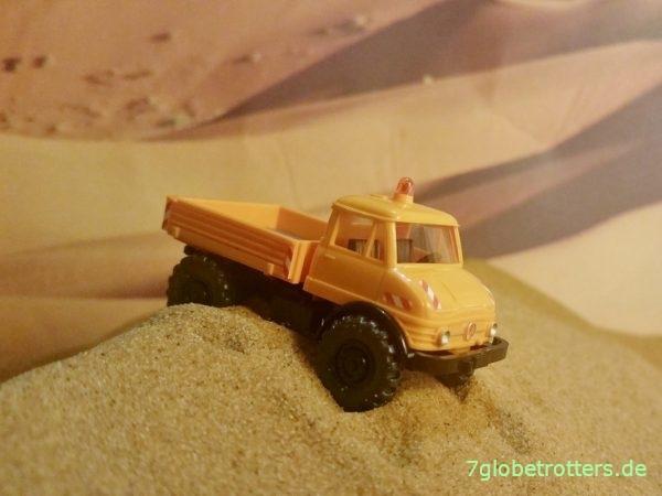 Unimog U 406 im Erg-Chebbi-Sand