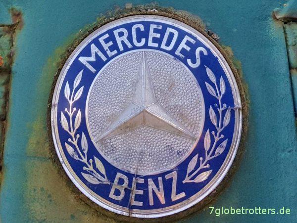 Mercedes-Benz Kurzhauber: Großes Emblem auf der Motorhaube