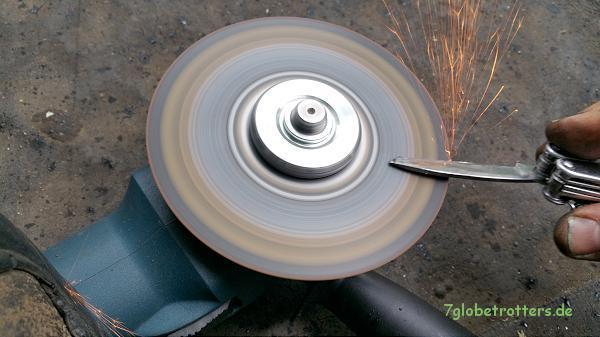 Ich liebe mobiles Werkzeug: Anschleifen des Taschenmessers mit der Akkuflex