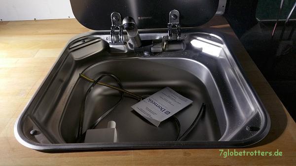 Jetzt sitzt die Spüle doch schon viel besser in der Wohnmobilküche