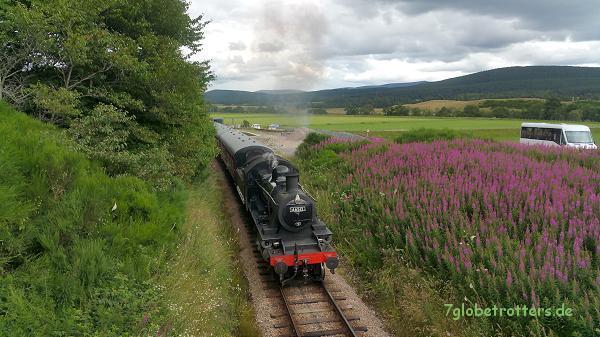 Der Hogwarts-Expressan der Broomhill Station, südlich von Inverness