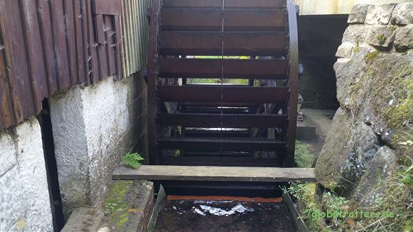 Mittelschächtiges Wasserrad der Neumannmühle