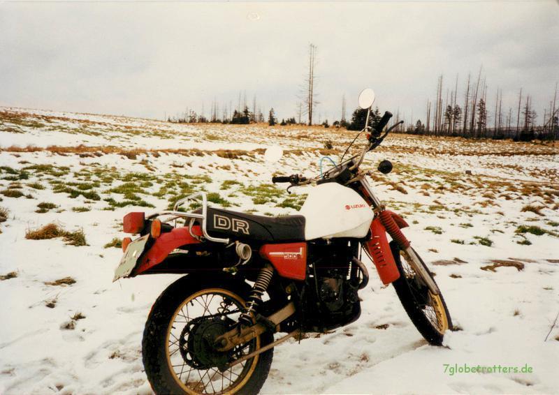 Suzuki DR 500 im Winter