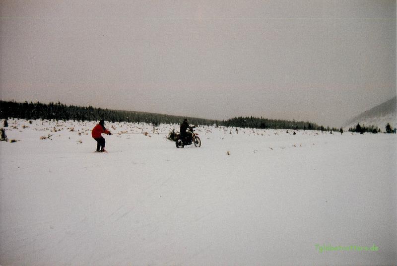 Skijöring mit der Suzuki DR 500