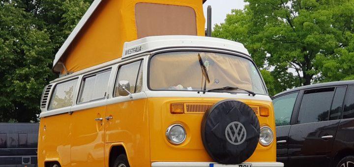 VW Bulli Campingbus T2, Ausbau und Aufstelldach