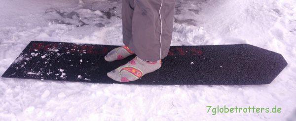 Sandbleche aus Kunststoff sind im Schnee schön fußwarm