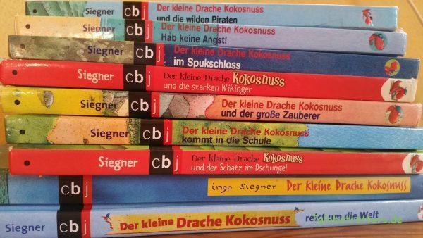 Ein ganzer Stapel von Ingo Siegner: Der kleine Drache Kokosnuss
