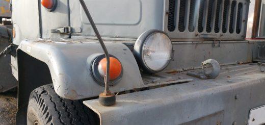 Praga V3S mit den süßen Scheinwerfern