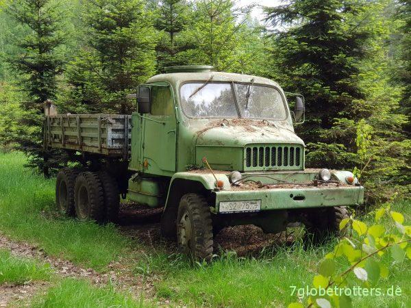 Hochgeländegängiger tschechischer LKW: Praga V3S Pritsche