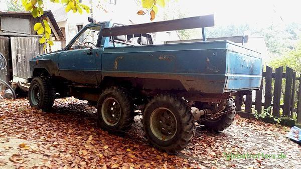 Tschechischer Eigenbau: Toyota Hilux Pickup 6x6