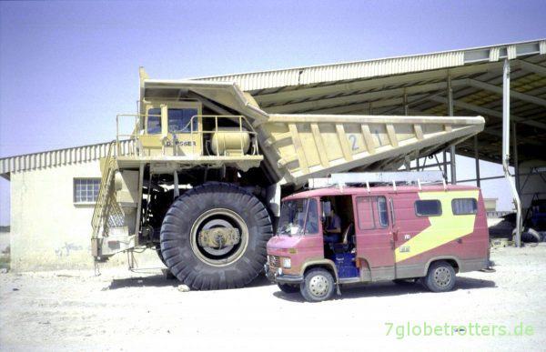 """Zu """"Besuch"""" im Phosphat-Tagebau Boukra"""