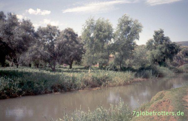 Nette Gegend am Oued Tissakht oberhalb des Wasserfalls von Ouzoud