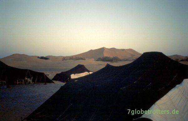 Abendstimmung am Erg Chebbi mit Berberzelten