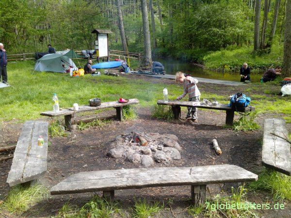 Gehört beim Paddeln mit Kindern dazu: Biwak am Fegefeuer