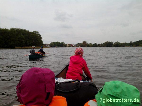 Paddeln mit Kindern: Schleuse HimmelpfortSchlechtes Wetter auf dem Oberpfuhl vor Lychen