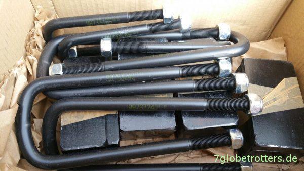 Das Paket Federbriden und Unterlegplatten für die Höherlegung Vario/T2